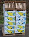 Brennholz 33cm lang in 24 Schachteln (= 1 Ster)  Praktische Variante zum Aufstapeln an einem überdeckten, geeigneten Ort. Kann jederzeit ideal verfügt werden. (inkl. 7.7% Mwst)